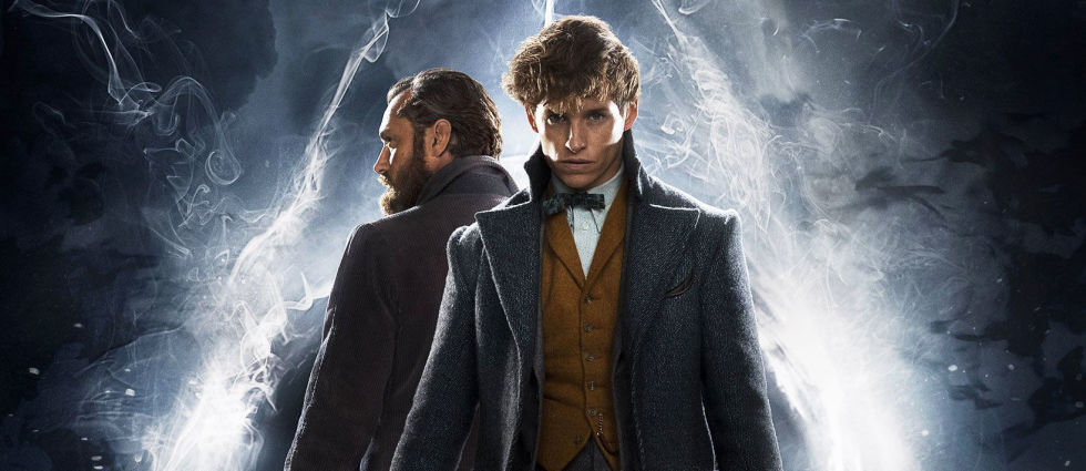 gallery-1540984483-fantastic-beasts-crimes-of-grindelwald-newt-dumbledore-poster