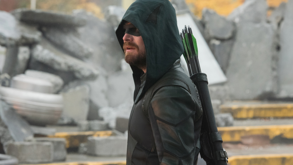 "Supergirl -- ""Crisis on Infinite Earths: Part One"" -- Image Number: SPG509c_0046r.jpg -- Pictured: Stephen Amell as Oliver Queen/Green Arrow -- Photo: Dean Buscher/The CW -- © 2019 The CW Network, LLC. All Rights Reserved."