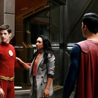 "The Flash -- ""Crisis on Infinite Earths: Part Three"" -- Image Number: FLA609a_00143b3.jpg -- Pictured (L-R): Grant Gustin as Barry Allen/The Flash, Candice Patton as Iris West - Allen, Tyler Hoechlin as Superman and Brandon Routh as Superman -- Photo: Katie Yu/The CW -- © 2019 The CW Network, LLC. All Rights Reserved."